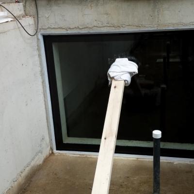 Sealed pool panel