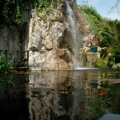 Large pond waterfall feature